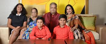Rakesh Jhunjhunwala family pic with mother wife daughter two sons