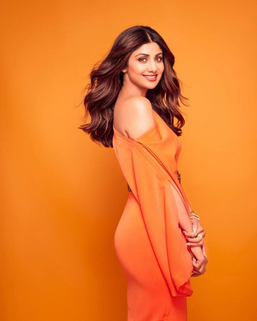 Shilpa Shetty bollywood actress Net Worth Biography wiki age height husband