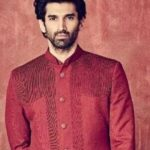 Aditya Roy Kapur Net Worth