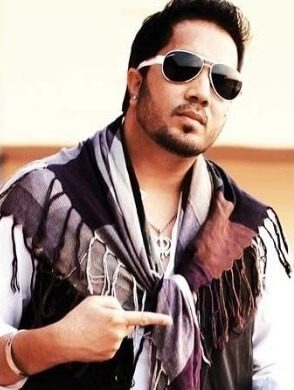 Mika Singh Net Worth